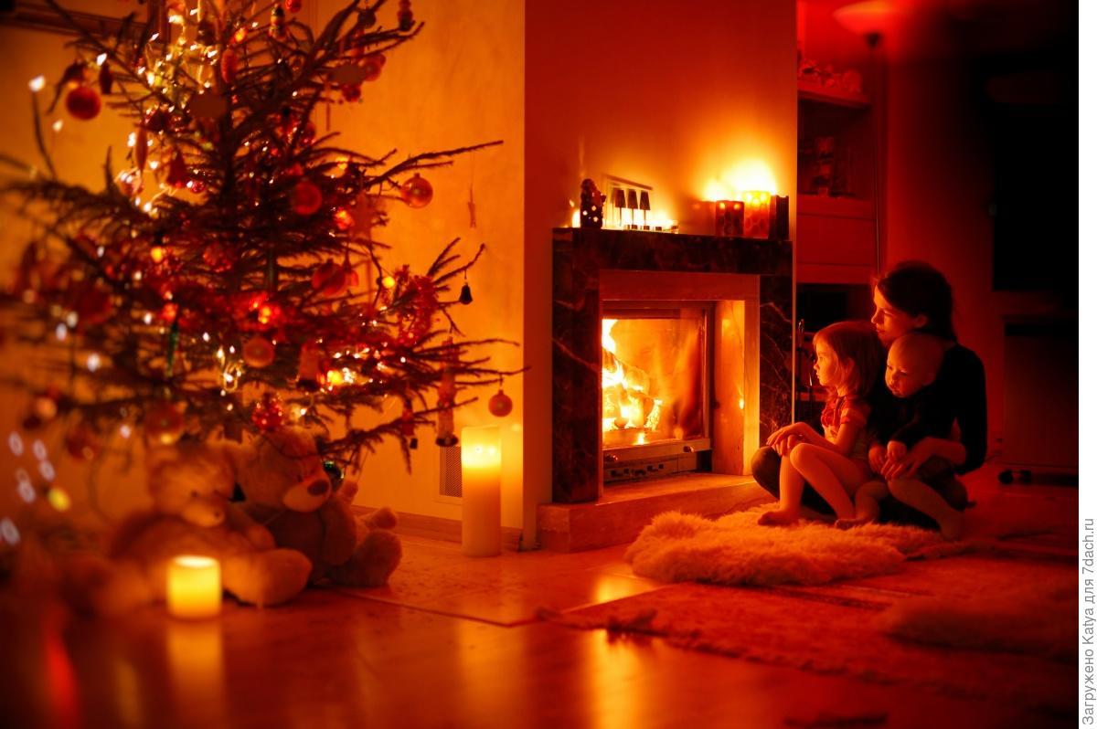 Коттедж с камином на новый год