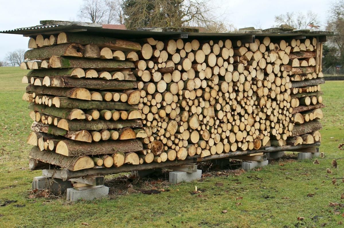 Как сделать поленницу для дров 89