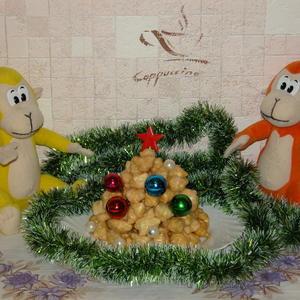 Новогодняя елочка из чак-чака)))