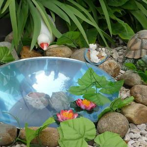 Мини-водоем в саду у родственников