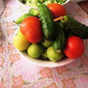 Всё к салатику готово!