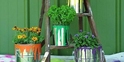 Не спешите выбросить: поделки для сада из старых вещей