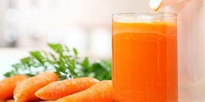 Сок из моркови.