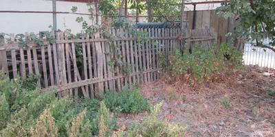 Меняем забор между участками