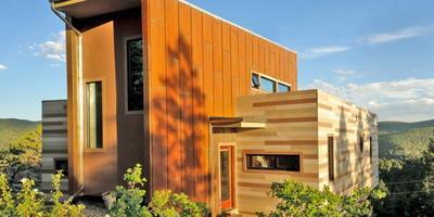 Дом из транспортных контейнеров и с собственной системой энергоснабжения