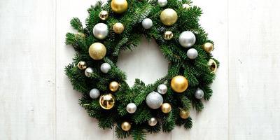 Из чего и как сделать рождественский венок своими руками