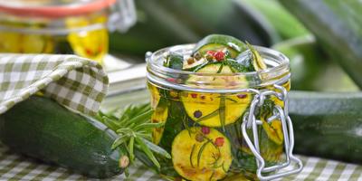 16 рецептов салатов из кабачков на зиму