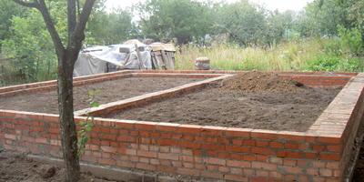 Помогите составить проект одноэтажного дома 7х7 м и нужно ли оформлять разрешение на строительство?