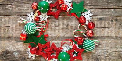 Рождественские венки, гирлянды и другие украшения для новогоднего интерьера