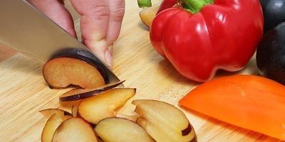 Мастер-класс: маринованная капуста со сливами и перцем