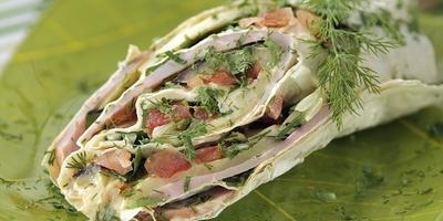 Сытный перекус: 7 рулетов из лаваша