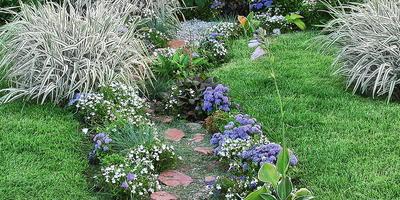 В саду — как на курорте