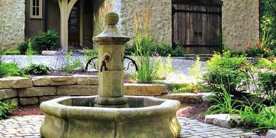 Журчит, журчит в саду родник: фонтаны на дачном участке