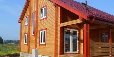 Окраска деревянного дома. Как правильно защитить свою крепость