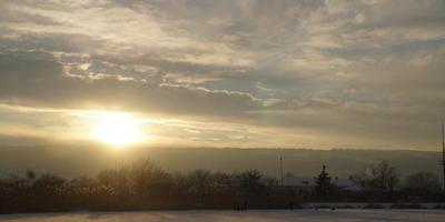 Игра зимнего солнышка в тенях...