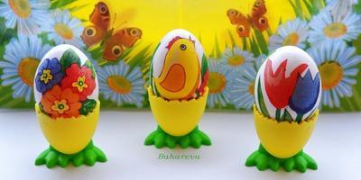Яйца в стиле техники декупаж.