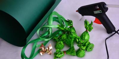 Рукотворная подарочная  ёлочка