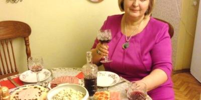 Плещется в бокале домашнее вино, или Как приготовить вино из смородины