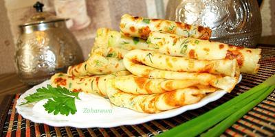 Вкусные сырные блинчики с зелёным луком