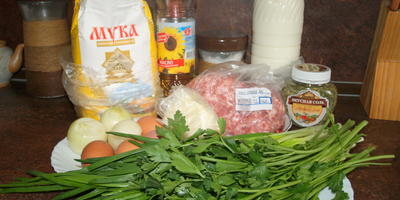 Блинчики с мясным фаршем и зелёным луком