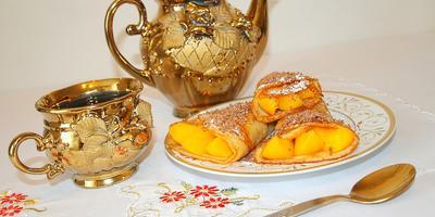 Персиковые блинчики с шоколадом