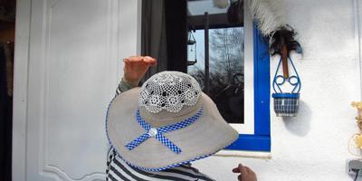 Милые семидачницы, какие головные уборы вы предпочитаете на даче в летний период?