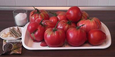 Заготовка крупноплодных томатов без уксуса (видео)