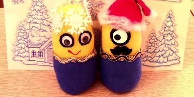 Новогодний мастер-класс: праздничные миньоны из носков