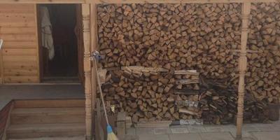Хранение дров на даче