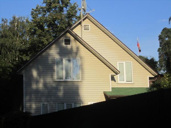 Это тот же дом, только на пятилектку старше