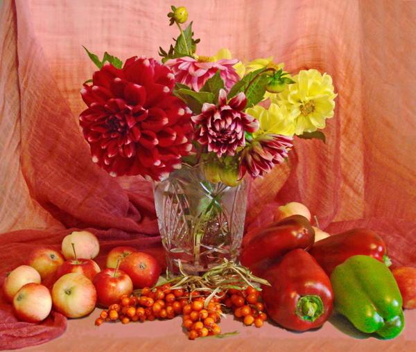 цветы,яблочки,облепиха,перцы - всё дачное, своё!