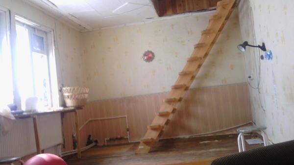 Так выглядела часть дома до ремонта