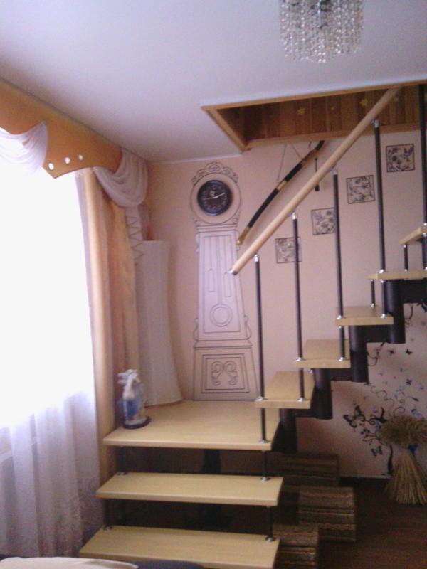 построили даже лестницу на второй этаж