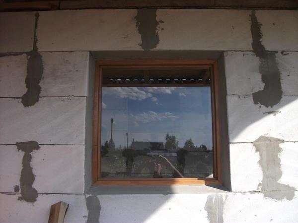 глухое окно в предбанник
