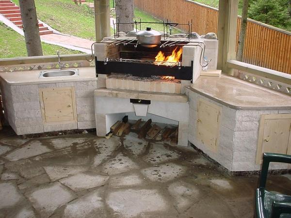 Каменный мангал-печь