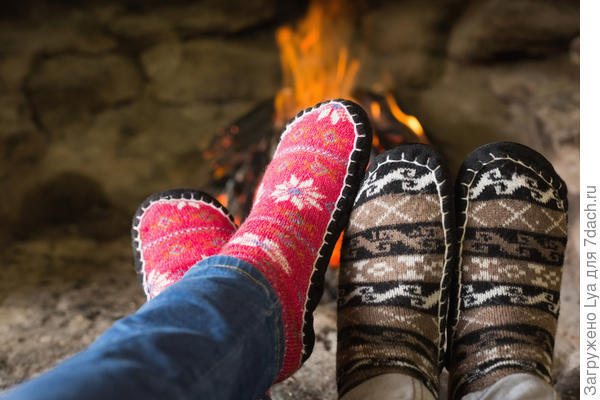 Теплые вязаные носочки с плотной подошвой