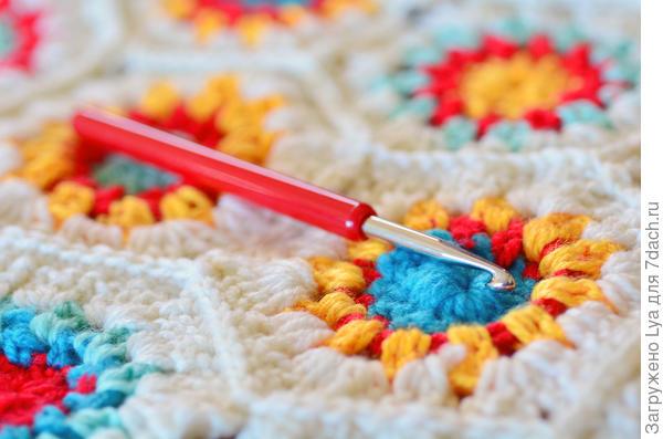 Спицами или крючком можно связать настоящие произведения искусства
