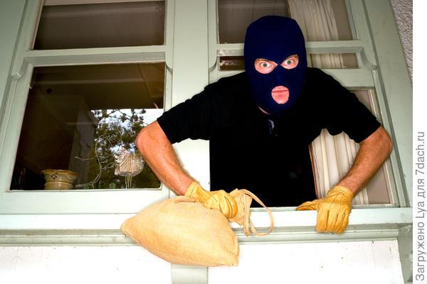 7 правил защиты дачи от кражи