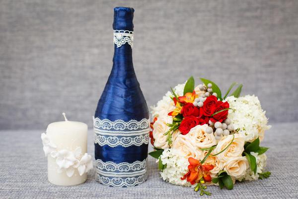 Самую простую бутылку можно превратить в настоящий эксклюзив