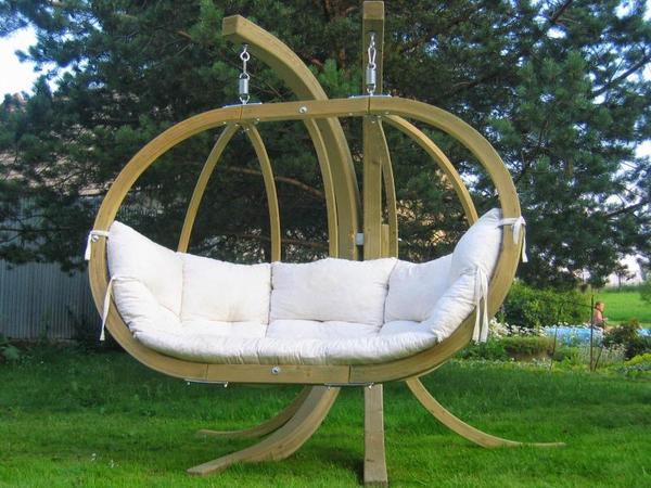 Уютные качели. Фото с сайта twojedomki.pl