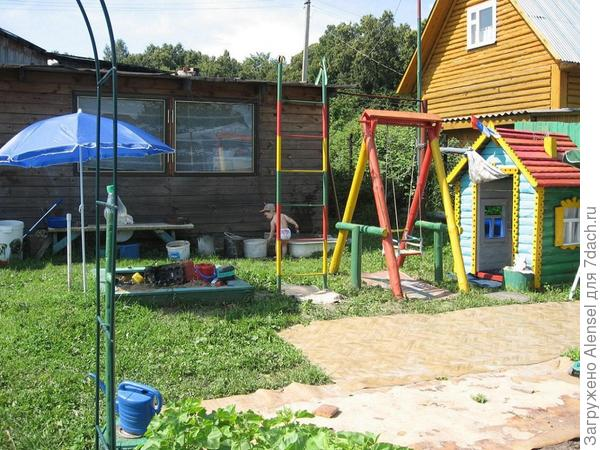 Детский участок на даче