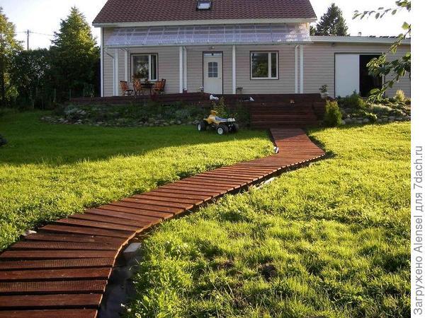 Садовые дорожки из досок