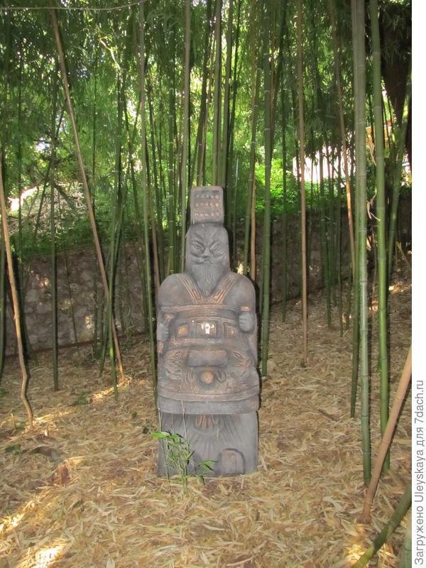 Воин в роще бамбука.