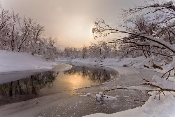 Речка в начале зимы под первым ледком