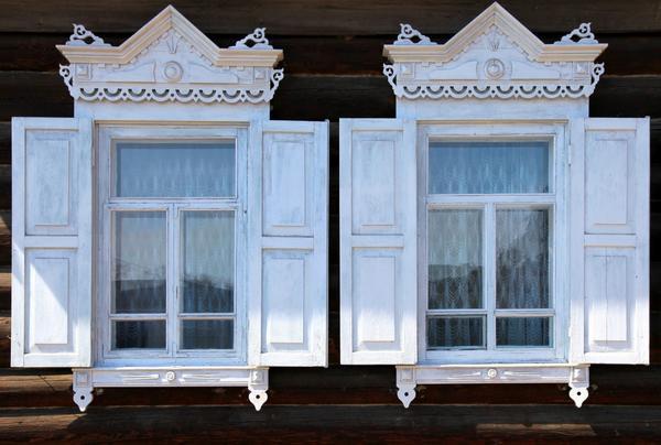 Ставни - хорошая защита окна