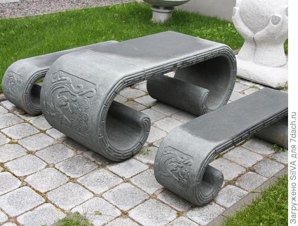 скамейка и стол из гранита