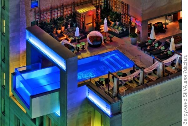 Стеклянный бассейн на крыше 10 этажного здания, Даллас