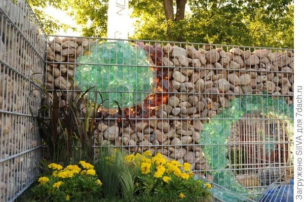 необычный забор из габионов