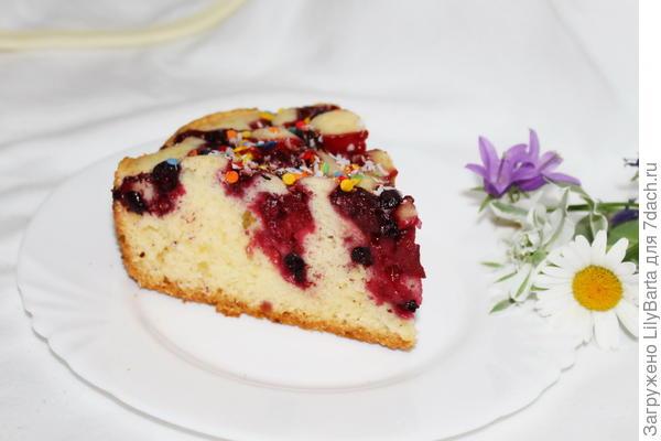пирог с вишней и смородиной