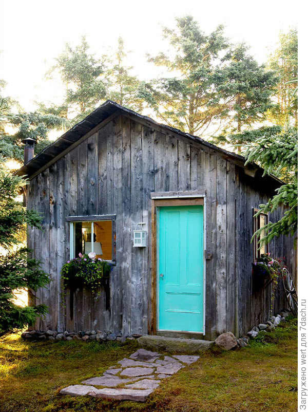 Из старого сарая в уютный летний домик